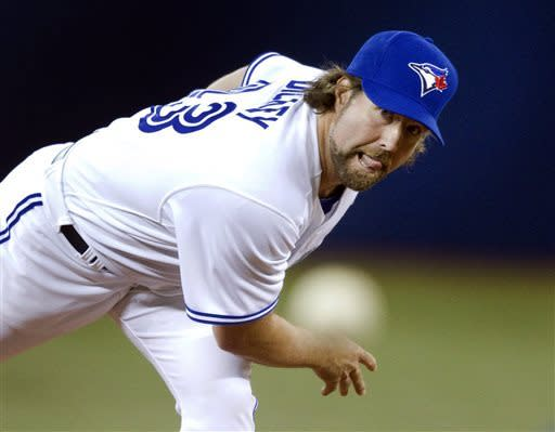Dickey, Blue Jays struggle, lose opener to Indians
