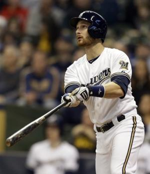 Lucroy homers,  Brewers beat Cubs 5-1