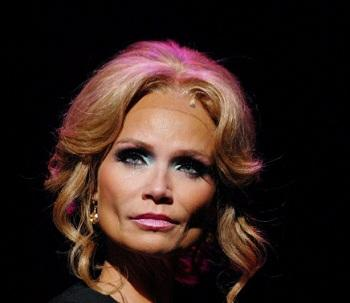 Kristin Chenoweth to Co-Host 'Anderson Live' Season Premiere