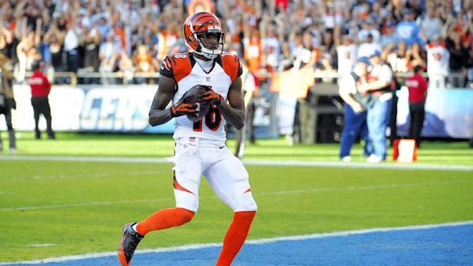 Dalton, Green lead Bengals to 17-10 win vs Bolts