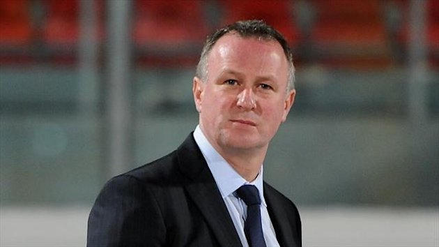 Michael O'Neill won his first match at the 10th attempt