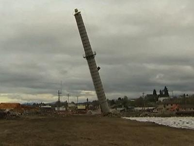 Raw: Smokestack Brought After Blast Fails
