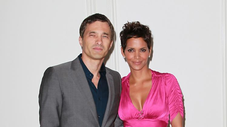 FILE: Halle Berry And Oliver Martinez Engaged