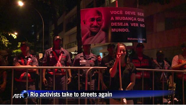 Anti-corruption campaigners push on with Rio protests