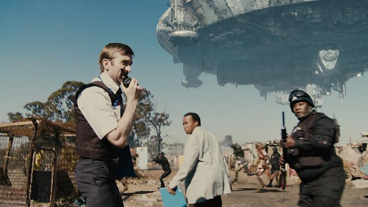 District 9 TriStar Pictures 2009 Production Photos Sharlto Copley Mandla Gaduka Kenneth Nkosi