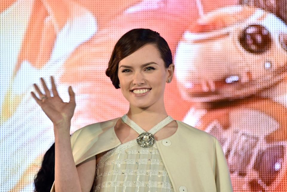 "Daisy Ridley 'overwhelmed' by lead role in ""Star Wars"""