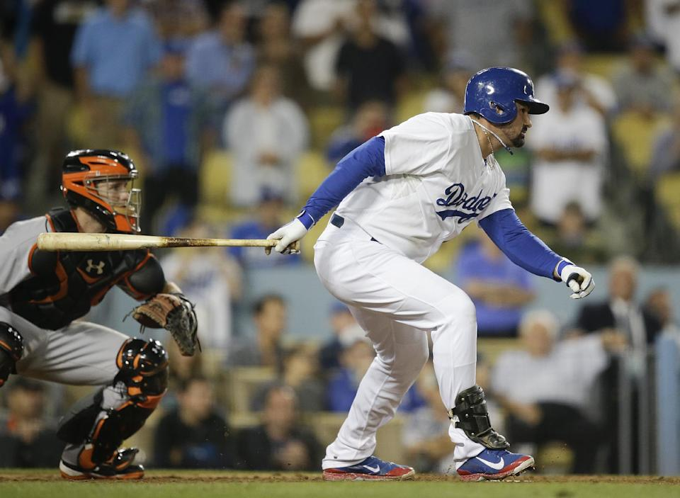 Gonzalez lifts Dodgers over Giants 3-2 in 10