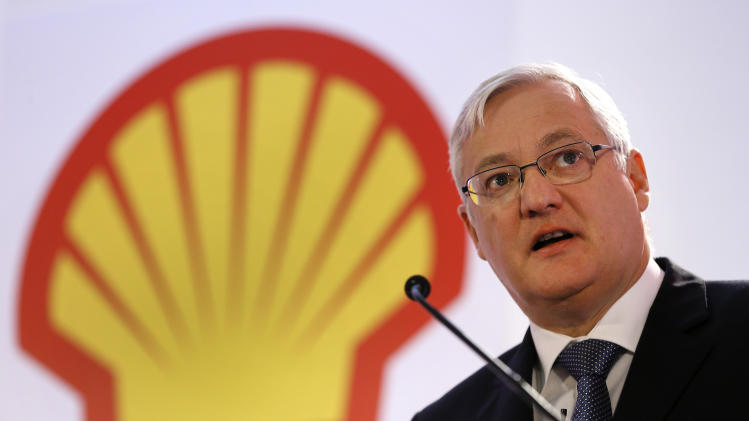 Shell CEO Voser to retire in 2014