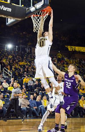 Michigan routs Northwestern 74-51