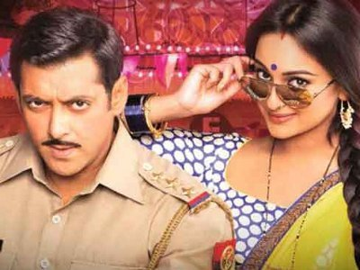 Salman Khan gives Sonakshi art lessons
