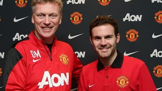 David Moyes and Juan Mata (Manchester United photo)