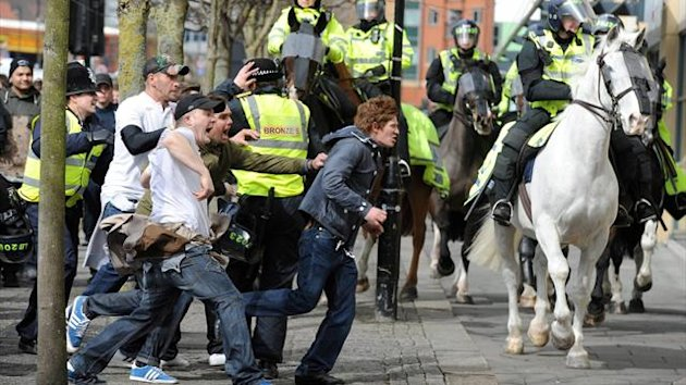 Newcastle supporters clash with police following the 3-0 defeat to Sunderland (North News and Pictures)