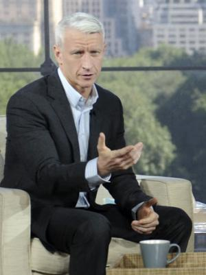 Anderson Cooper Calls Twitter User a 'Moron' Over Sikh Temple Shooting Comment