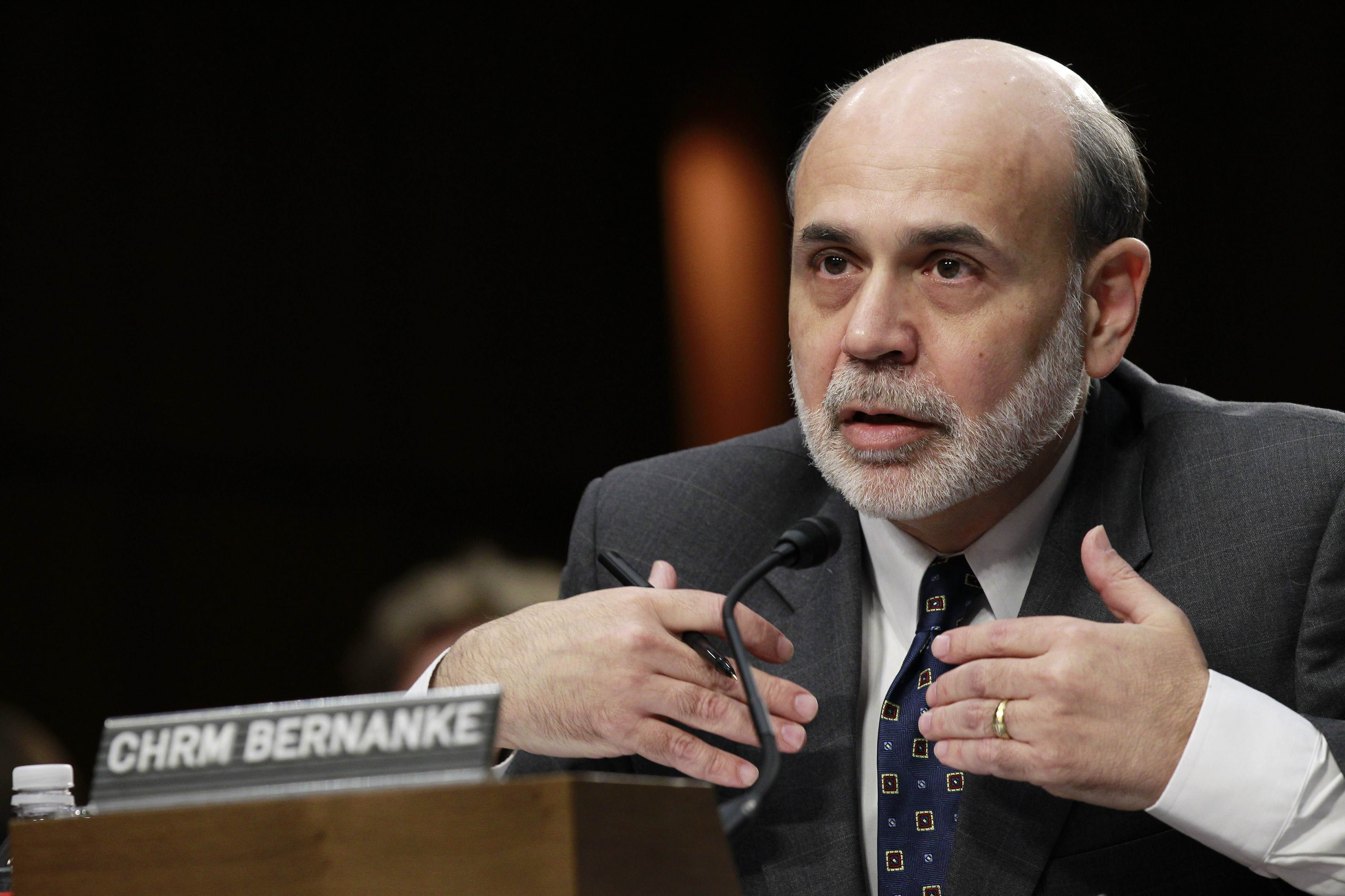 Bernanke rejects charge of Fed 'throwing seniors under bus'