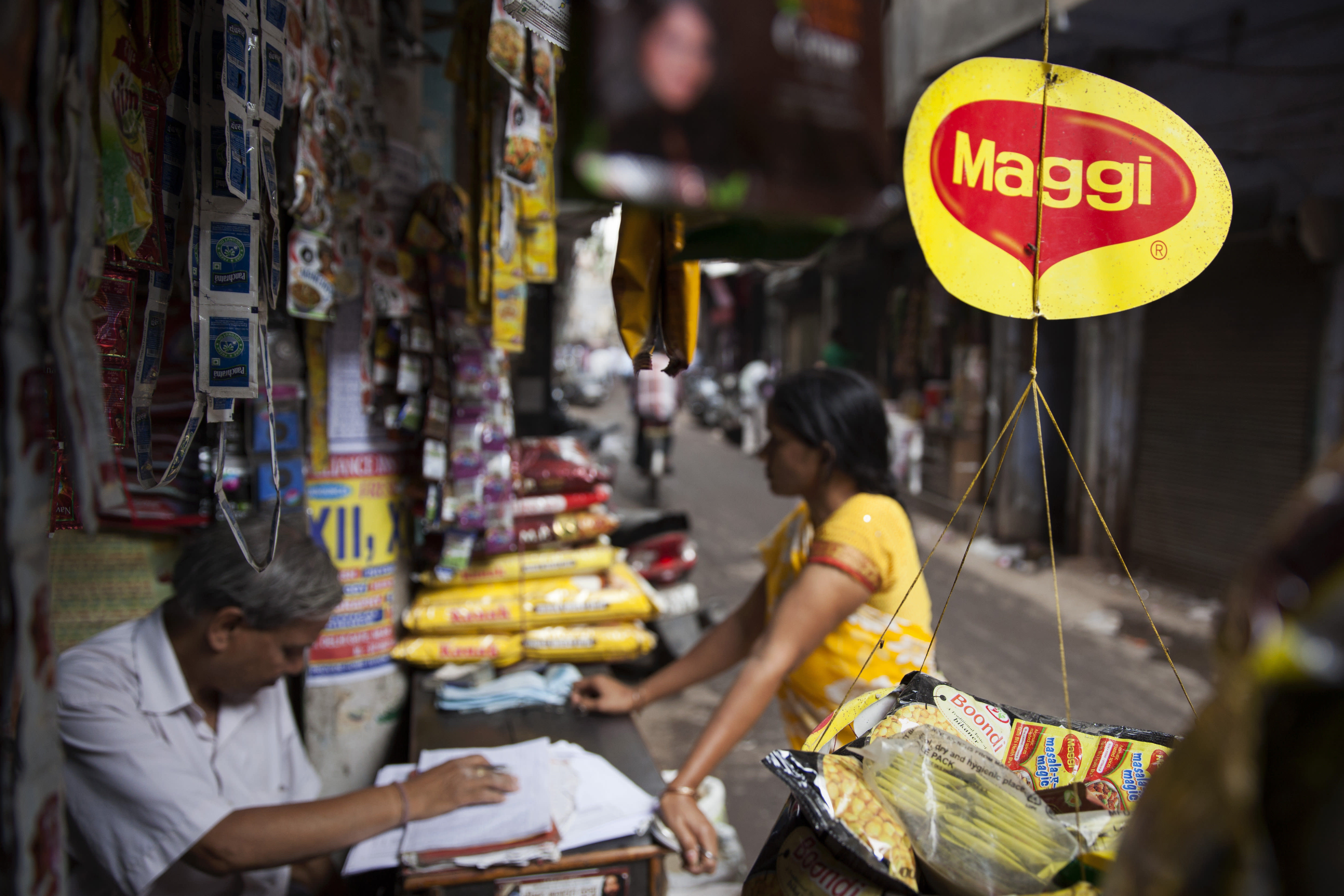 Maggi noodles ordered off India's shelves due to lead level