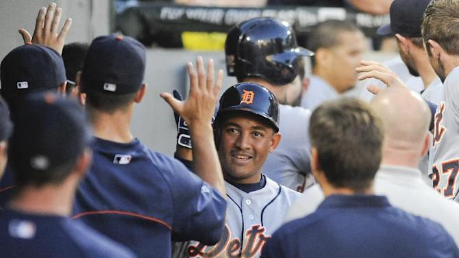 Tigers win 8-4, salvage doubleheader split