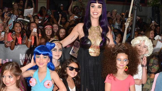 Photos:  Katy Perry Puts Kid in Cupcake Bra