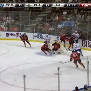 Roberto Luongo Save on Joakim Lindstrom (02:40/1st)