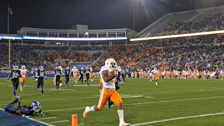 Tennessee beats Kentucky, 27-14