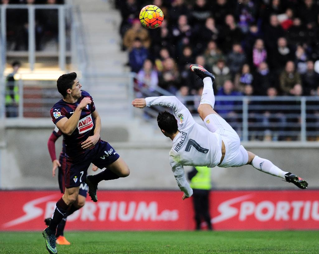Bale, Ronaldo give stuttering Real Madrid relief at Eibar