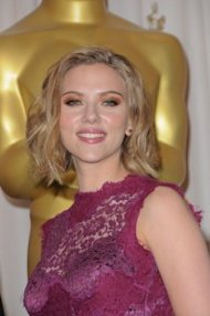 Scarelett Johansson looks glamorous with a wavy bob at this year's Oscars, PRPhotos.com