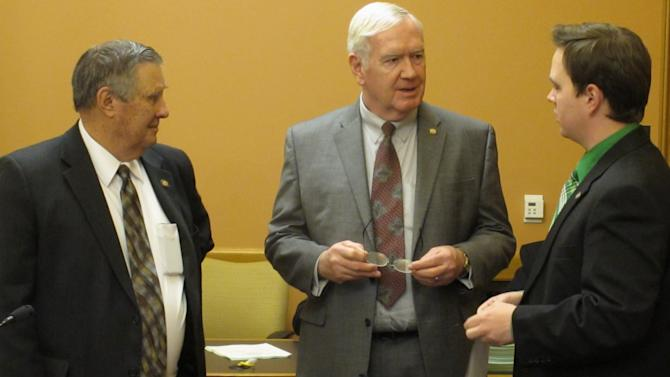 Kan. education budgets advance in committee