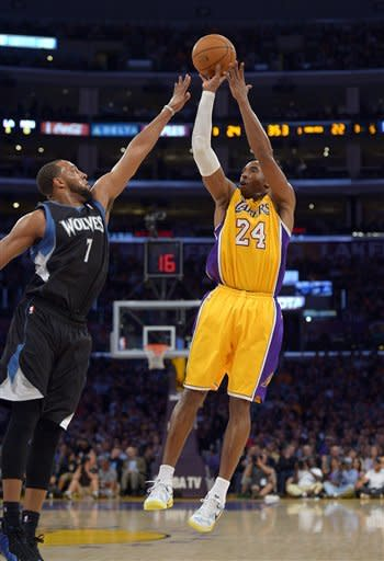 Kobe scores 33 in Lakers' latest win over Wolves