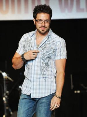 Danny Gokey Lands a Book Deal