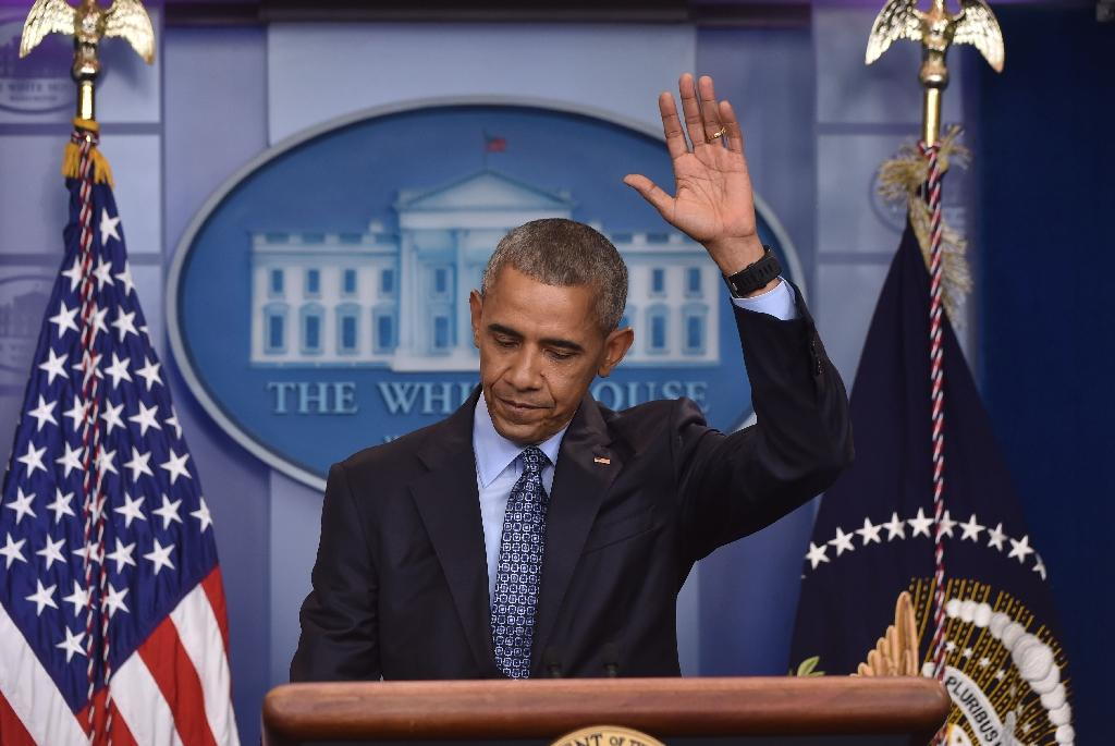 Obama issues 330 commutations on eve of White House exit