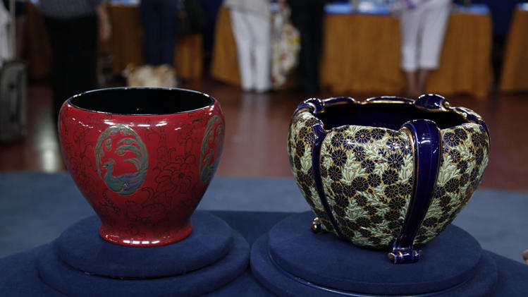 """Antiques Roadshow"" - Rookwood and French pottery jardinieres"