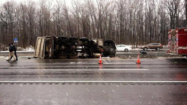 Dump truck overturns on I-295 in Cherry Hill