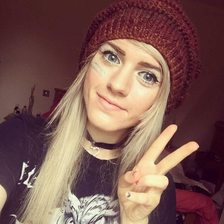 Is It Drugs? Abuse? ISIS? Why Fans of This Beauty Vlogger Are Worried