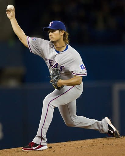 Darvish wins 3rd straight, Rangers beat Blue Jays