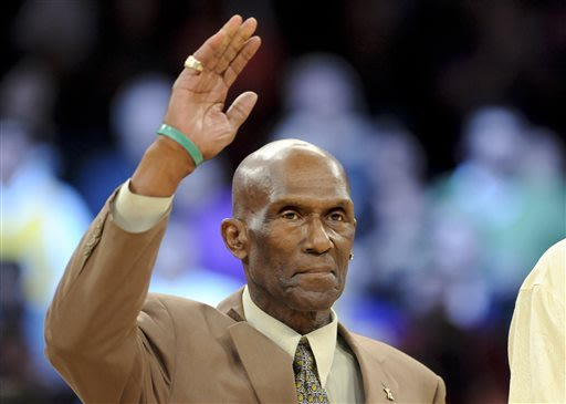 Former NBA guard Flynn Robinson dies at 72