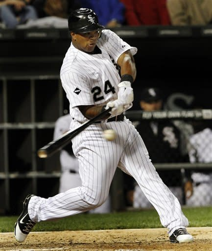 Viciedo drives in 4 runs as White Sox top Tigers