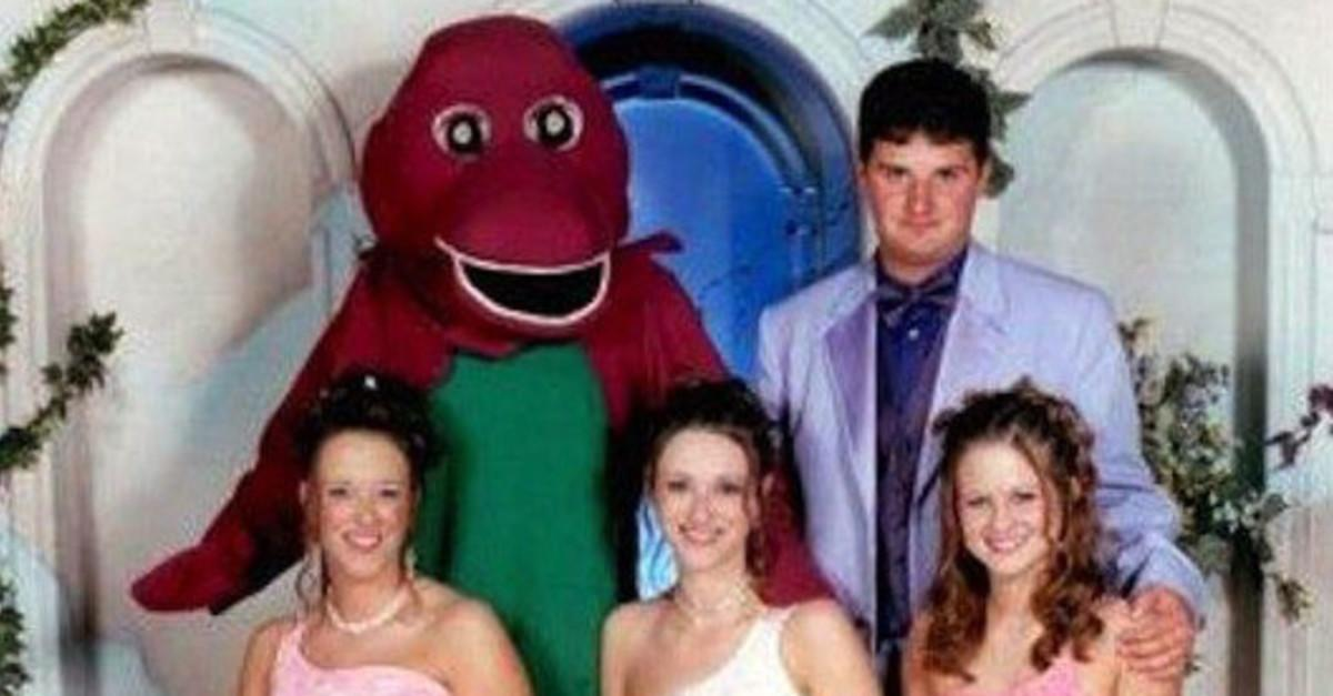20 Incredibly Awkward Prom Fails