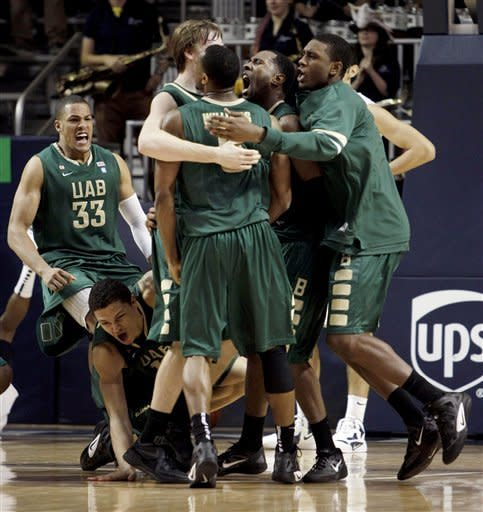 Williams' 3 lifts UAB over Rice 61-60 in OT