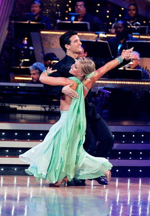 "Shawn Johnson and Mark Ballas perform the Foxtrot to ""More Than This"" by Charlie Hunter feat. Norah Jones on ""Dancing with the Stars."""