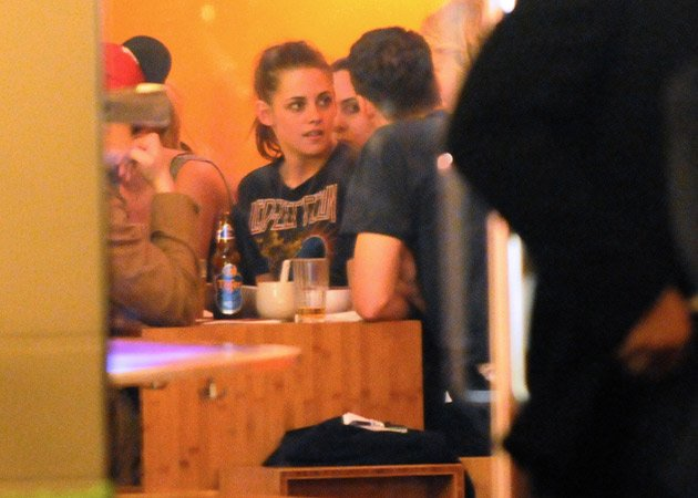 Kristen Stewart Robert Pattinson Berlin dinner date