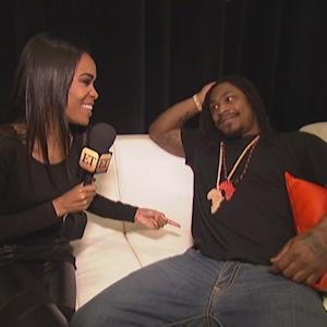 Seattle Seahawks Star Marshawn Lynch Sings in Rare Interview With ET!