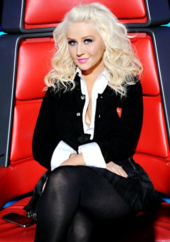 "Christina Aguilera Dresses as ""Naughty Schoolgirl"" On The Voice"