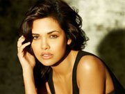 Esha Gupta: Women look really sexy doing action onscreen