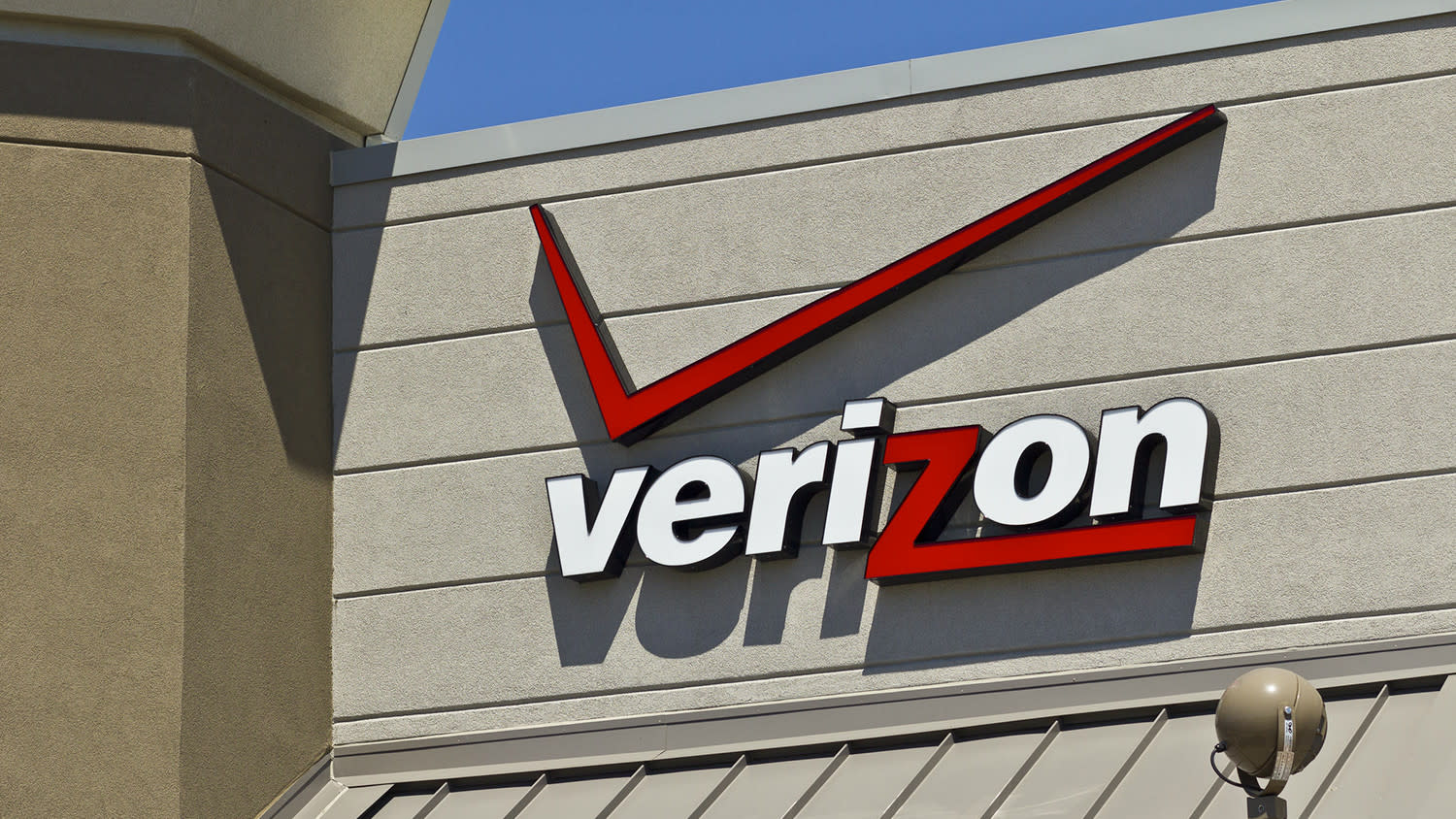 Who's the best cell phone carrier of them all? Verizon, according to RootMetrics