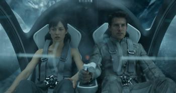 'Oblivion' Review: Tom Cruise Meets 'Tron,' 'Wall-E,' 'The Matrix'