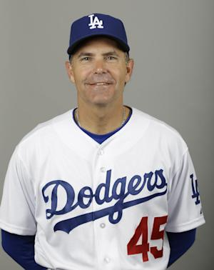 Dodgers decline option on bench coach Trey Hillman