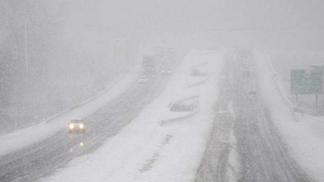 Storm's high winds, snow, sleet lash Northeast
