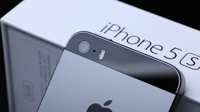 Is the 16GB iPhone 'the biggest ripoff in tech?'