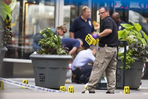 Two dead, nine wounded in shooting near the Empire State Building