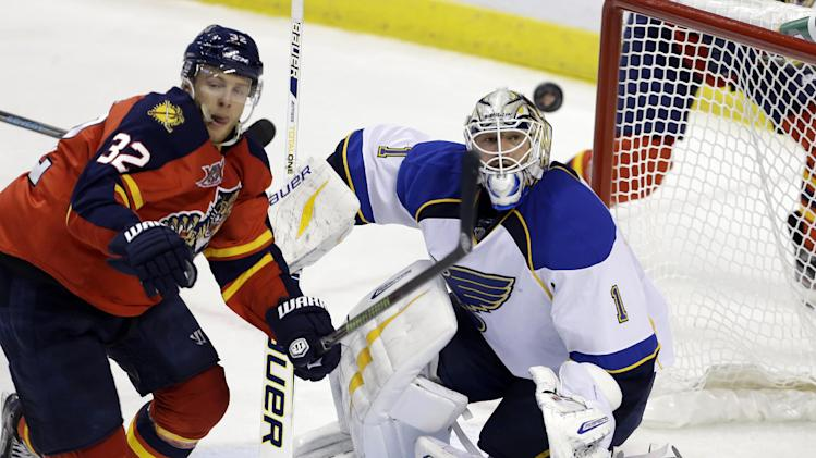 Elliott, Steen lead Blues to 4-0 win over Panthers