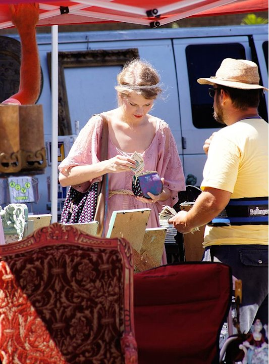 Taylor Swift Flea Market